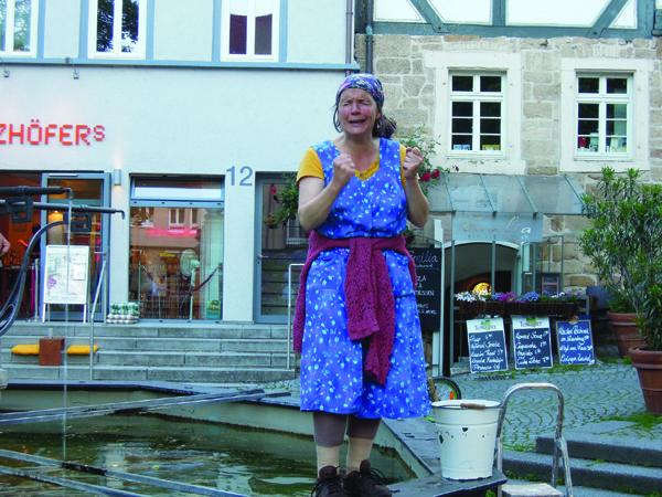 Kulturverein Krummhardt unterwegs in Esslingen mit Erna Läpple am 13. Juni 2013