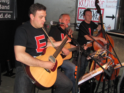 Folkscheuer in Krummhardt made in Austria mit der EHL-Band am 19. Mai 2012