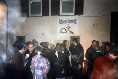 """Silvestertreff 2002 in der Krummhardter Ortsmitte – """"Ohne-Motto-Fete"""" im Nebel!"""