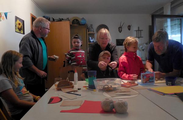 Brummkäferbasteln als Sommerferienprogramm des Kulturvereins Krummhardt